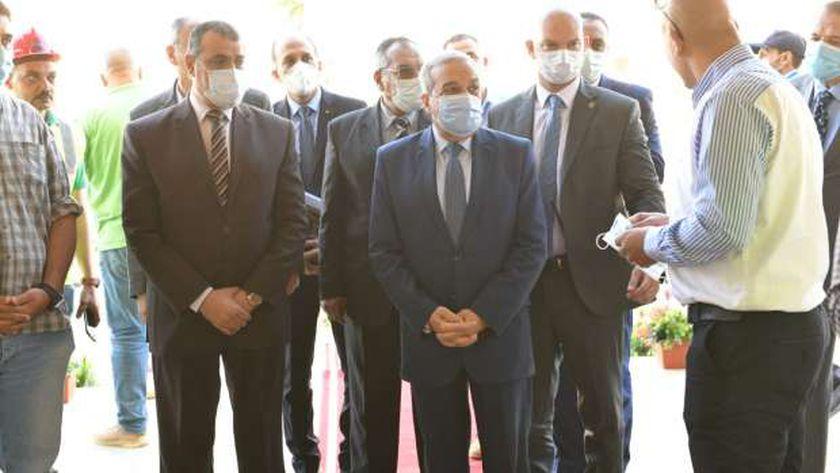 جولة تفقدية لوزير الإنتاج الحربي لمبنى الوزارة في العاصمة الإدارية