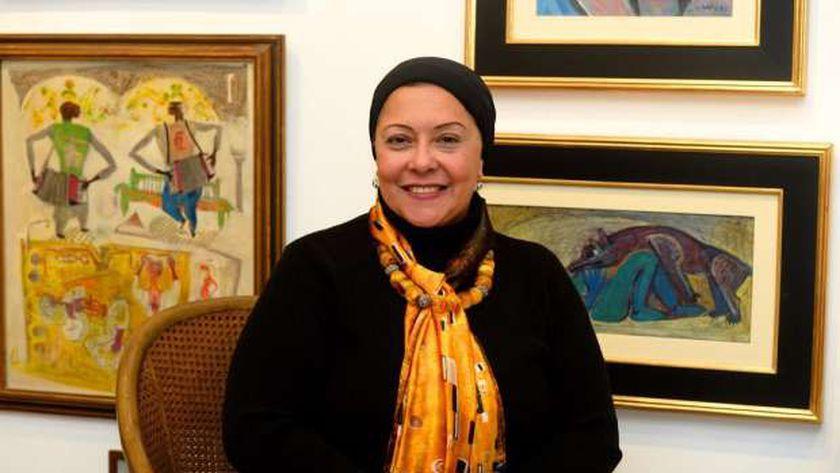 الدكتورة صفية القباني نقيبة الفنانين التشكيليين