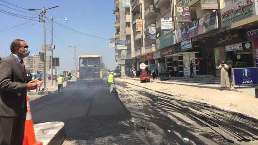 محافظ كفر الشيخ يوجه بالانتهاء من رصف وتطوير شوارع العاصمة