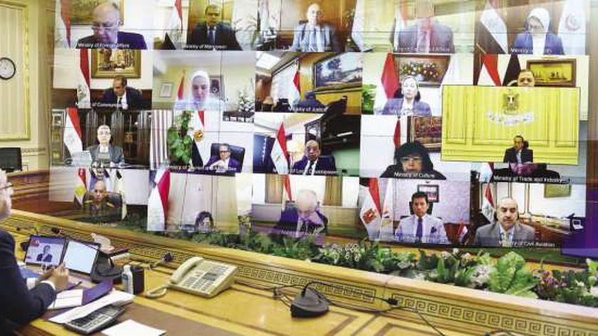 «مدبولى» يرأس اجتماع الحكومة أمس عبر تقنية الفيديو كونفرانس