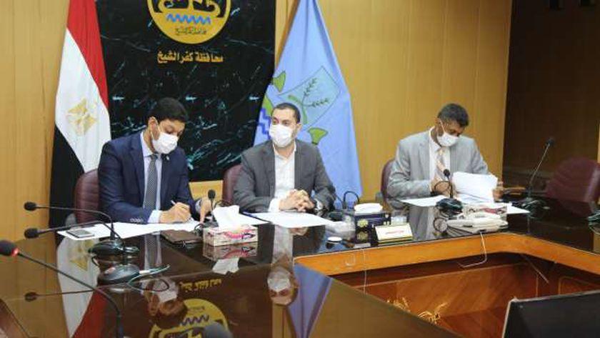 نائب محافظ كفر الشيخ يجري مقابلات شخصية لـ40 مرشحا لدورات وزارة التنمية المحلية بسقارة