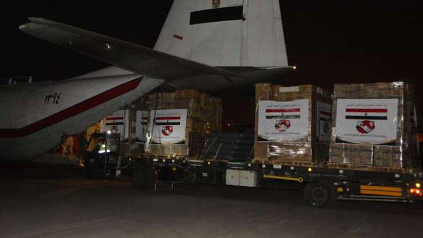 المساعدات المصرية المتجه إلى الشعب التونسي