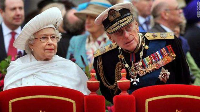 الأمير فيليب وزوجته الملكة إليزابيث الثانية ملكة بريطانيا