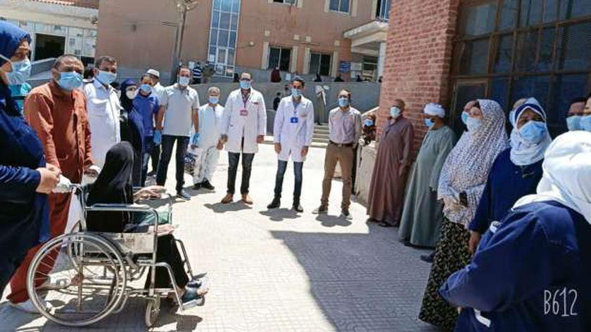 خروج المتعافين من مستشفى الواسطى المركزي