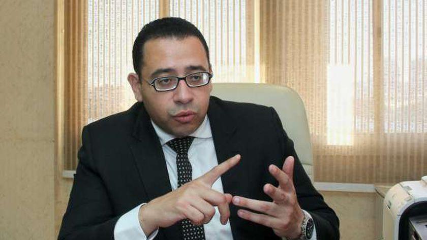 الدكتور عمرو حسن، أستاذ مساعد النسا والتوليد ومقرر المجلس القومي للسكان سابقًا