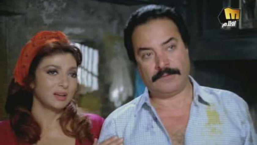 نبيلة عبيد ويوسف شعبان في مشهد من فيلم «حارة برجوان»
