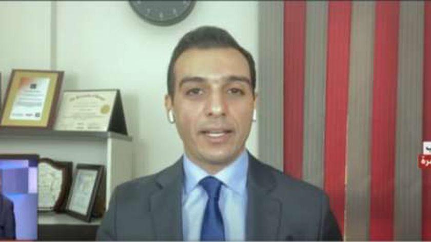 الدكتور إسلام عنان