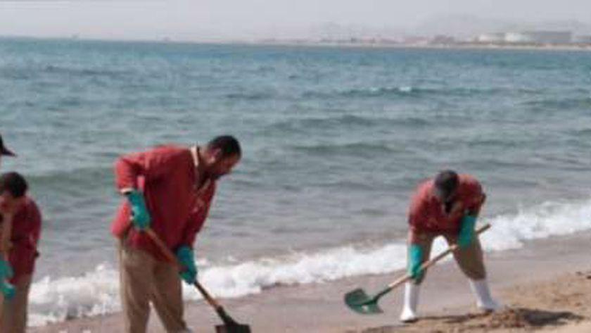 تنظيف الشاطئ