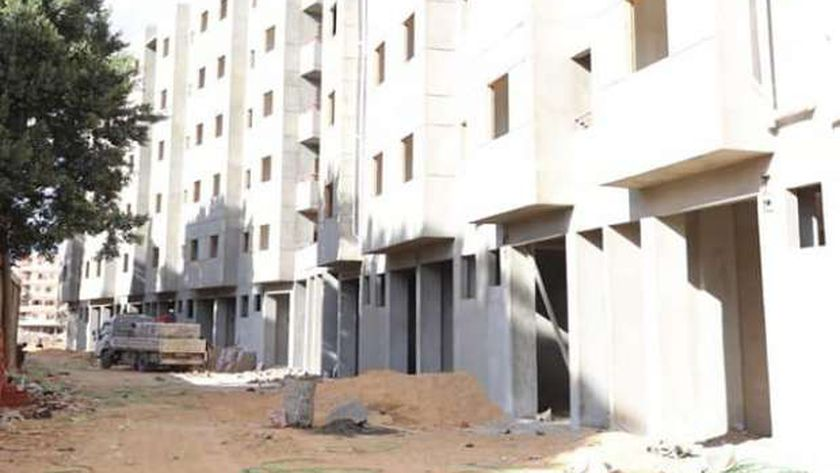 أعمال بناء المرحلة الأخيرة لمساكن عشش السودان بحي الدقي
