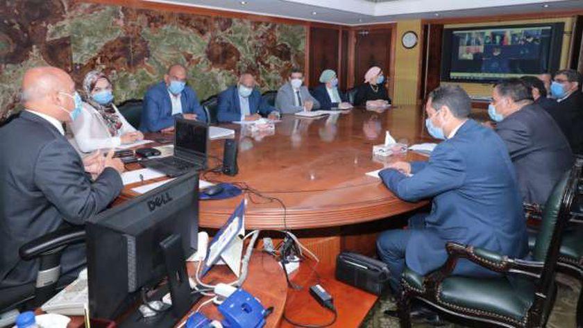 """الوزير يتابع مع السفير الصيني و""""افيك-كريك"""" أعمال مشروع القطار الكهربائي"""