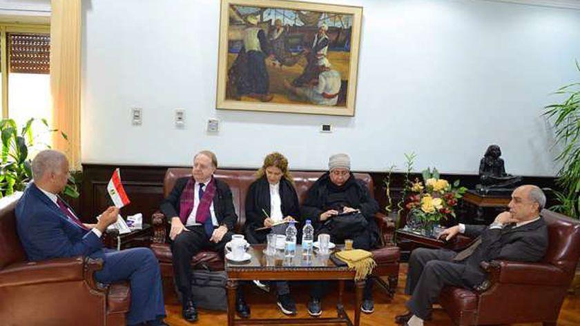 استقبل الدكتور عصام الكردى رئيس جامعة الإسكندرية وفد الوكالة الفرانكفونية