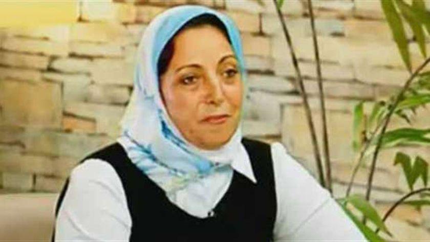 نضال عفت زوجة اللواء نبيل فراج
