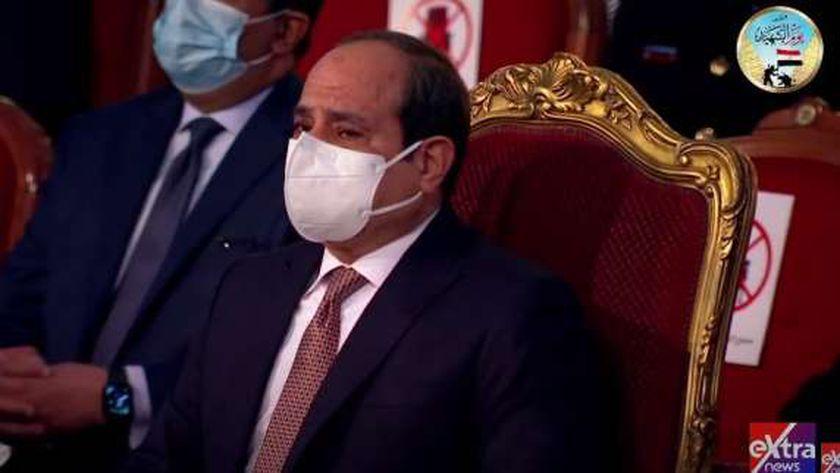 بكاء الرئيس السيسي بيوم الشهيد
