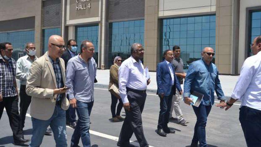 الدكتور هيثم الحاج علي خلال تفقده ارض المعارض بالتجمع الخامس
