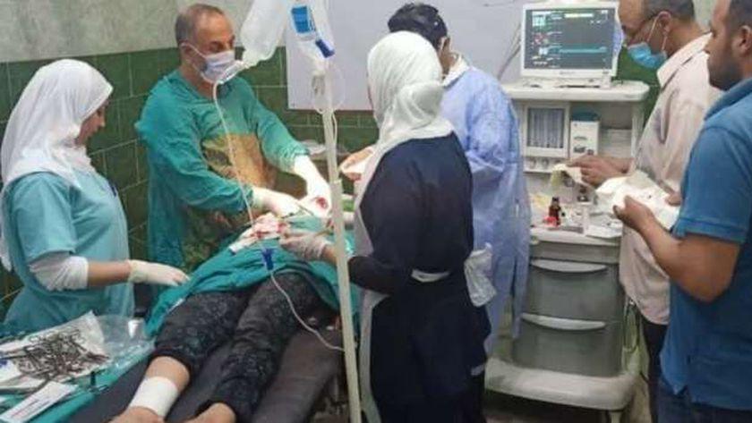 عملية جراحية لطفلة البحيرة