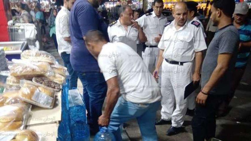 خلال حملة لازالة الاشغالات بشوارع مطروح
