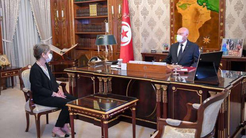 الرئيس التونسي خلال تكليفه نجلاء بودن برئاسة الحكومة التونسية