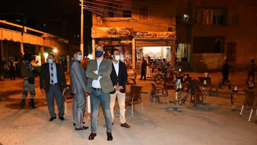 """محافظ الفيوم يأمربغلق 8 مقاهٍ تقدم """" الشيشة"""" للمواطنين بإطسا"""