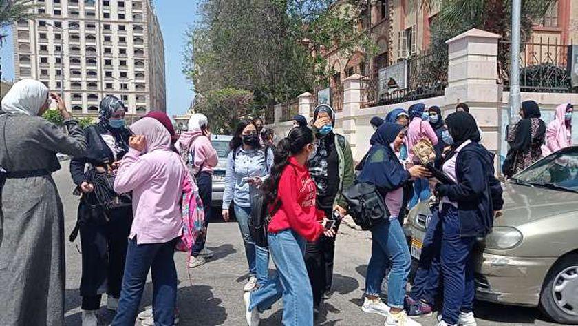 طلاب الثانوية العامة ببورسعيد