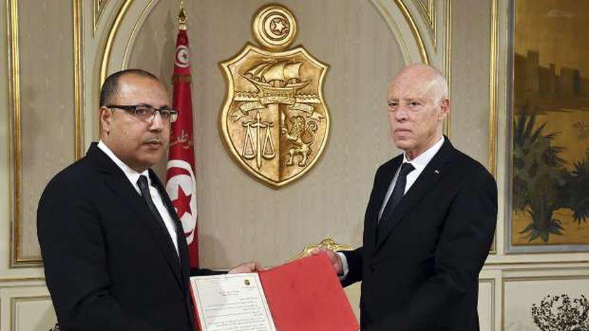 التونسيون يترقبون إعلان المشيشي عن حكومته اليوم