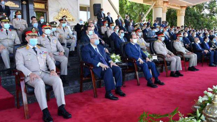 الرئيس يشهد طابور العرض لخريجى الكليات العسكرية