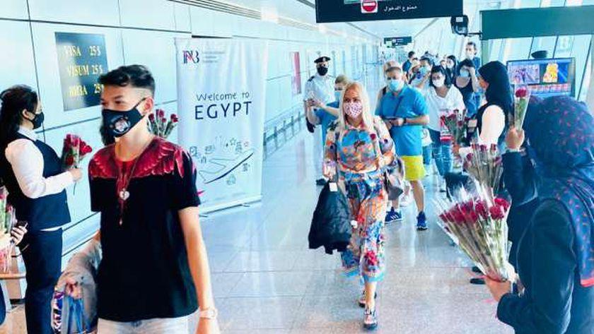 مطار القاهرة الدولي يستقبل اليوم 15 الف مسافر