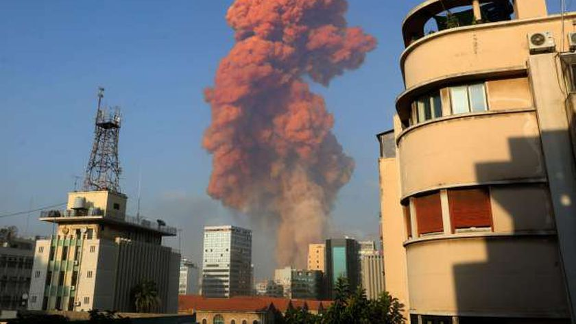انفجار سابق فى لبنان