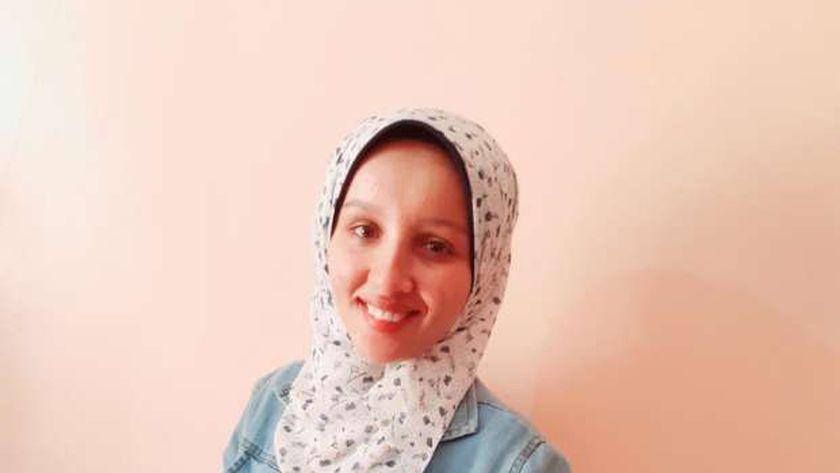 شيماء محمد الحاصلة علي المركز الثانى فى المدارس الفنية الزراعية