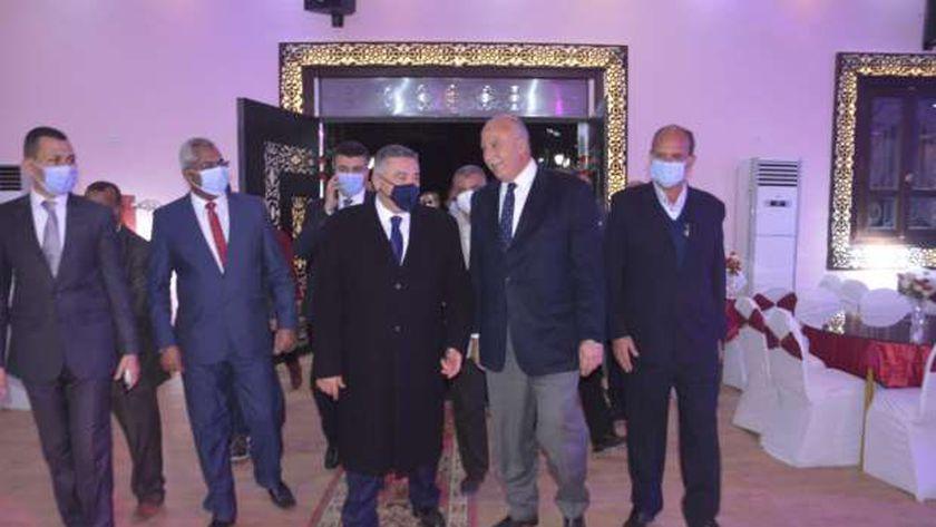 محافظ البحر الأحمر يفتتح قاعة أفراح النادي الاجتماعي