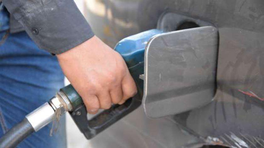 ترقب لأسعار الوقود الجديدة - أرشيفية