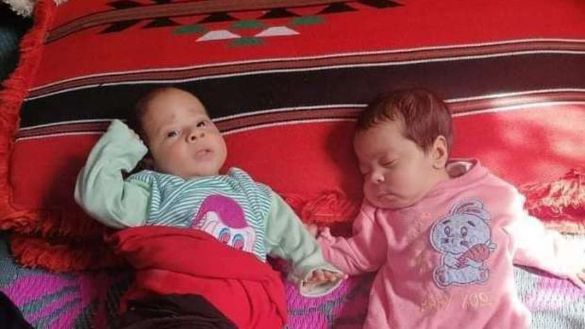 طفلا داليا المحجوزة في المستشفى