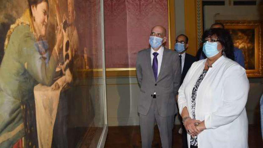وزيرة الثقافة تفتتح الاصدار الخامس من سلسة كنوز متاحفنا