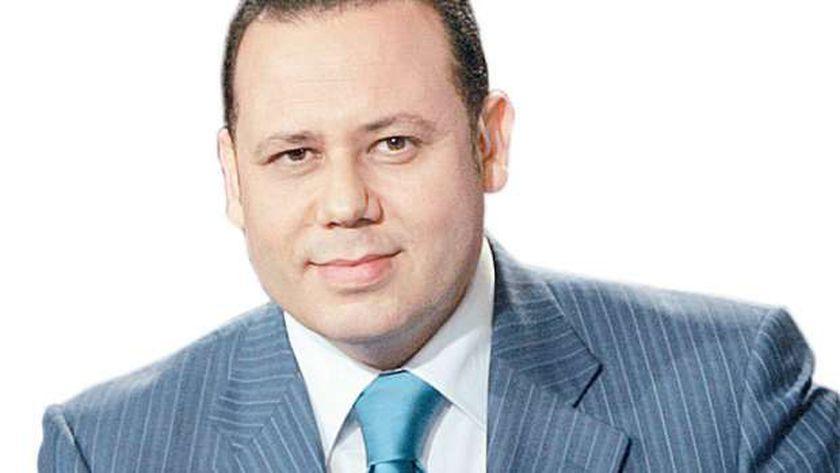 الإعلامي محمود الورواري