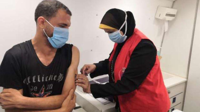 تطعيم مواطنين