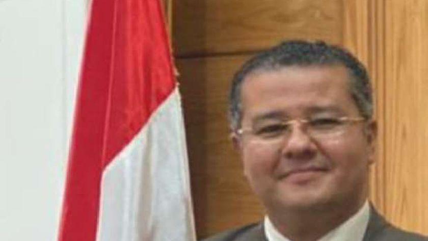 الدكتور عمرو الدخاخني
