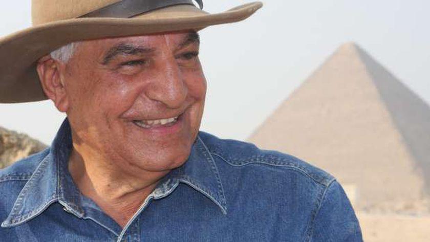 زاهي حواس عالم المصريات