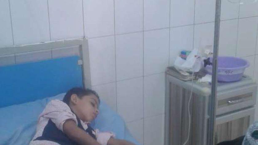 إصابة طفلين بتسمم غذائي تناولا طعام فاسد بسوهاج
