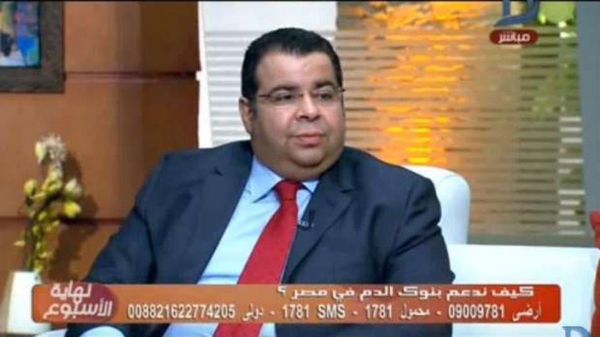 د. إيهاب سراج الدين مدير خدمات نقل الدم بوزارة الصحة والسكان