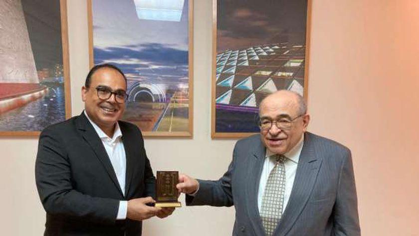 الدكتور مصطفى الفقي يستقبل رئيس معهد الشارقة للتراث