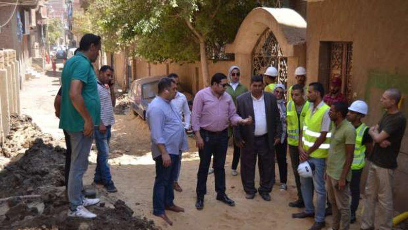 نائب المحافظ ورئيس مدينة ببا يشرفان على عملية إصلاح الكسر