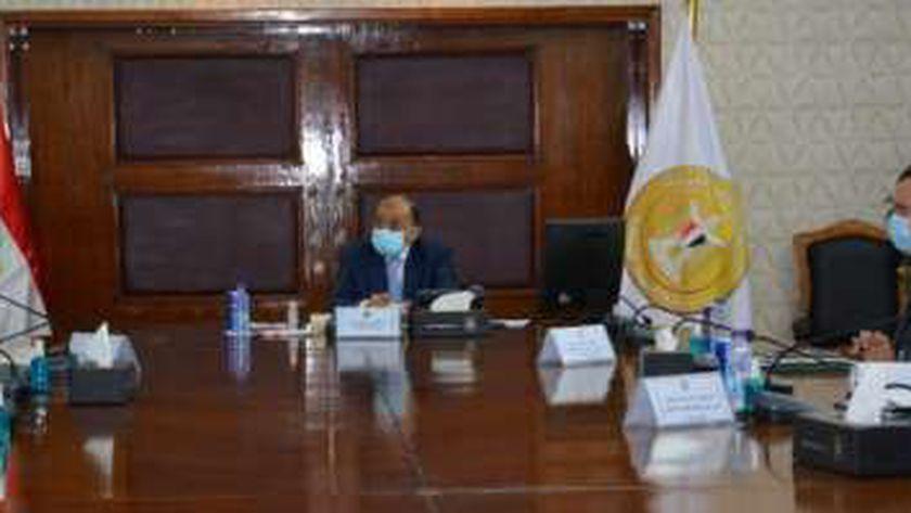 اجتماع وزير التنمية المحلية مع ممثل البنك الدولى