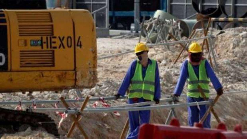 صورة من العمال الأجانب في قطر