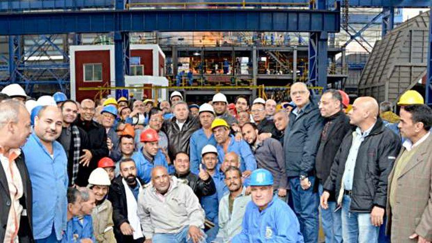 العمال يستعجلون إنتهاء أعمال التطوير من إجل زيادة مرتباتهم