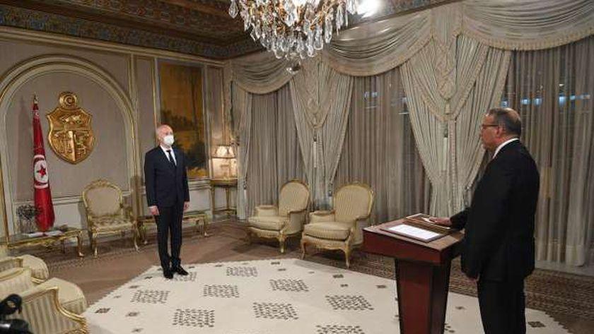 """رضا غرسلاوي يؤدي اليمين الدستورية أمام الرئيس التونسي قيس سعيد بعد تكليفه بتسيير """"الداخلية"""""""