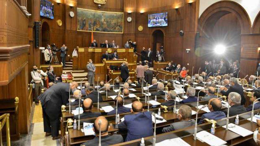 الجلسة الأولى لمجلس الشيوخ