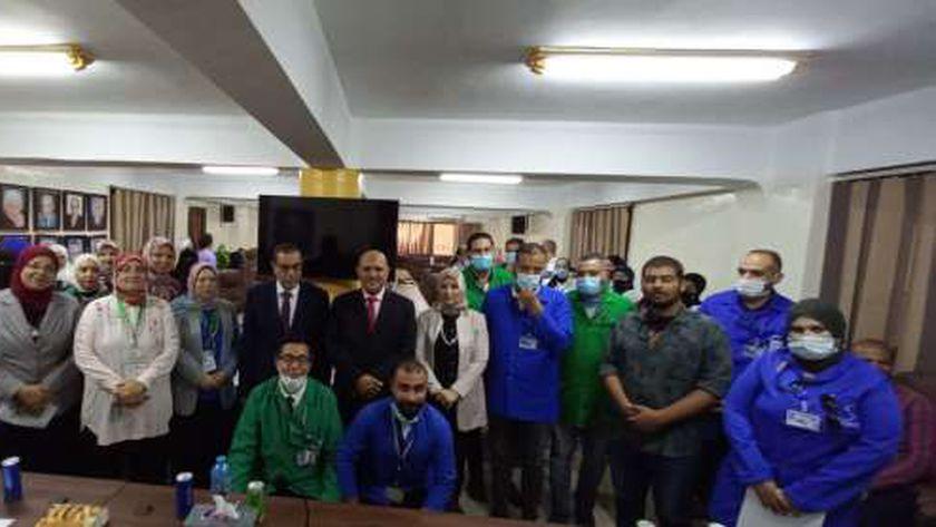 تسليم 130 شهادة إتمام التدريب على 3 مهن في بورسعيد
