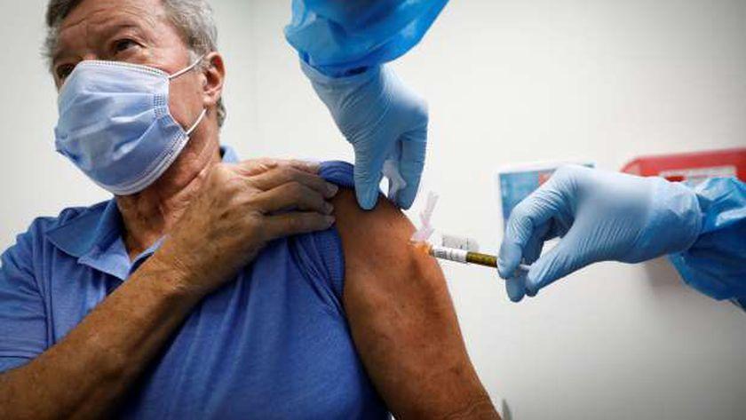 حملات التطعيم ضد كورونا في الولايات المتحدة