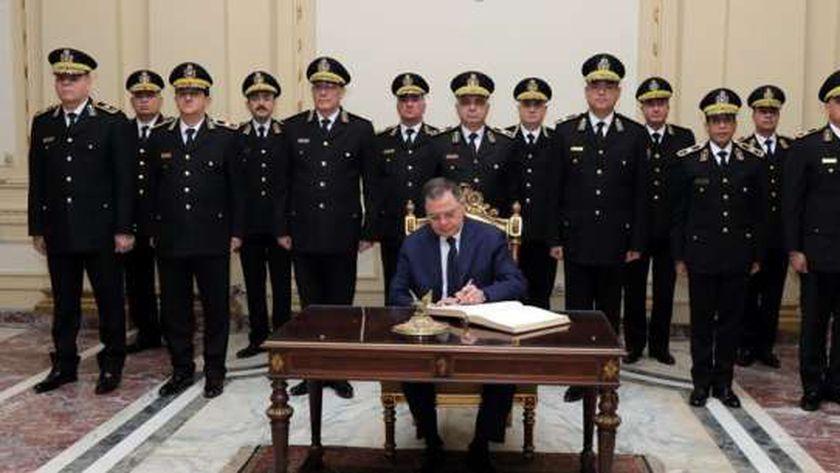وزير الداخلية وأعضاء المجلس الأعلى للشرطة