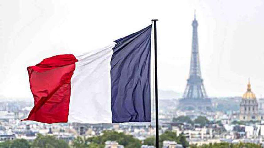 فرنسا تغلق حدودها أمام دول..و«كاستس»: هناك خطر من زيادة كورونا
