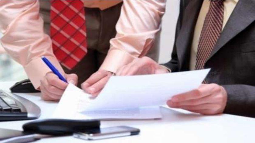 الحكومة تعلن رسميا الموافقة على ترقيات الموظفين